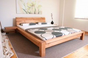 SIH bed with a peak K2 - oak